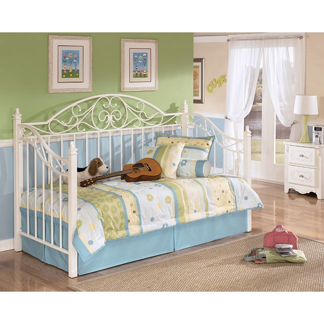 Exquisite Daybed Bedroom Set Signature Design by Ashley Furniture ...